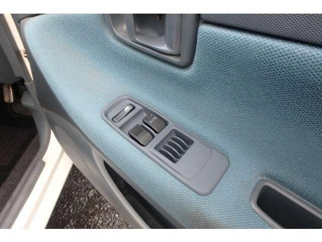 運転席パワーウインドウスイッチは新品へ交換しました!