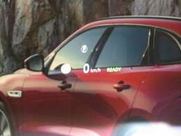ヘッドアップディスプレイ(103,000円)「運転席前方のガラスにナビの指示、シフトポディション、速度を表示。視界に入ってきますので安全にドライブ頂けます。」