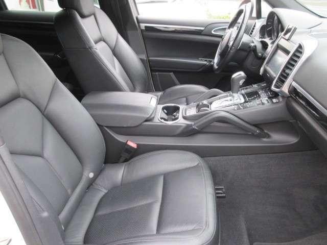 【車輌コンディション】事故、修復歴なしで、内装外装ともにきれいな状態です。小キズはありますがこのままで乗り出し可能です。同年式のお車相応のコンディションです。
