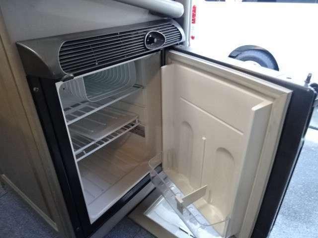 DC 40L冷蔵庫装備済みですので、旅先で冷たい飲み物などお楽しみいただけます♪