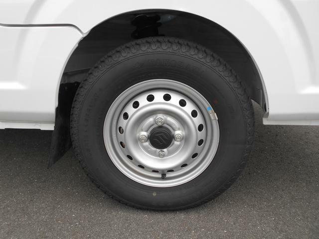 タイヤサイズは145R12です。