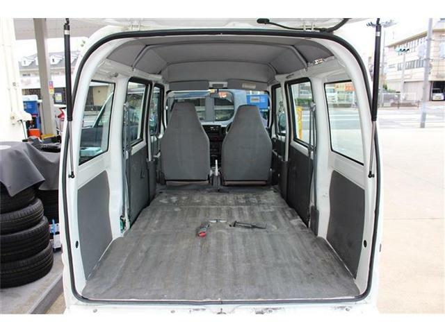 後部座席もスマートに収納できるので、スペースも無駄なくご活用いただけます☆