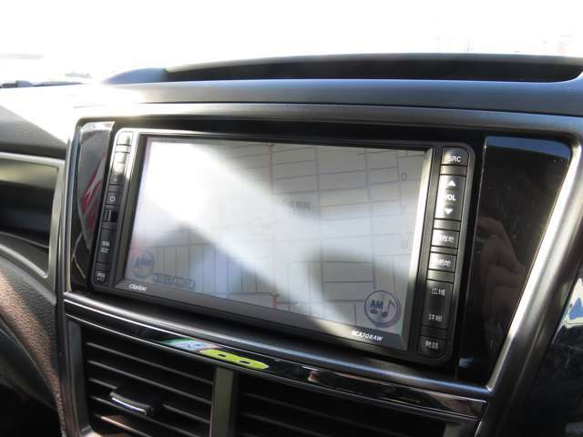 ハイスペックなHDDナビが中古車なら初めから付いているのもお得ですよね(^-^)!初めての道でも安心!ワンセグTV付き!車内がまるでお部屋にいるかのような快適空間に!(^^)!