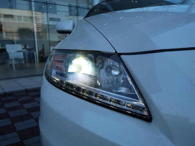 ●純正ディスチャージヘッドライト装備で夜間走行も安心です。フォグランプもHID・LEDを扱っておりますので、気になる方はぜひご検討ください!