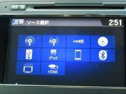 次世代インターナビは静電式タッチパネルによりスマートフォンのような操作感を実現。スマートフォンの音楽をBluetoothによる無線接続で再生。USB接続やHDMI接続によるメディア再生や充電も可能です