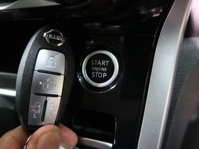 キーレスアクセス&プッシュスタートです!荷物を持っている際にも鍵をポケットやカバンに入れたまま、ドアノブにタッチするだけでドアの開閉ができます。