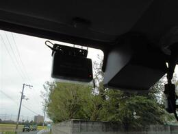 ■ドライブレコーダー 衝突防止センサーも付いています■