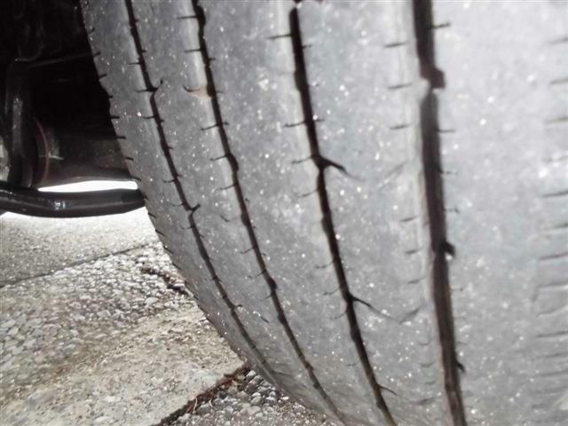 ■タイヤの溝もまだまだあります■