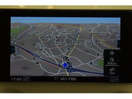 ●MMIナビゲーション『高解像度カラーディスプレイに、Bluetooth(R)接続によるハンズフリー通話機能を搭載しています。』