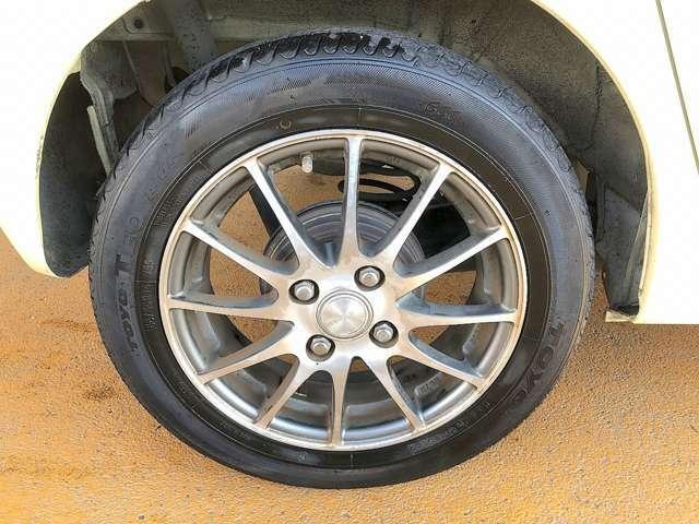 社外14インチアルミです!新品タイヤをご希望の方は遠慮なく申し付けて下さい!!