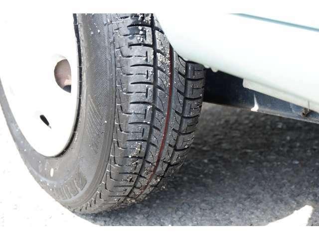 タイヤ溝の状態です