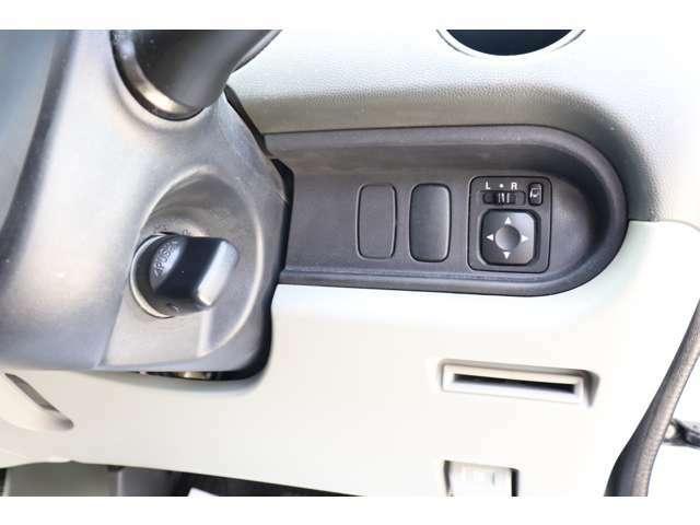 当社で並べているお車の状態は外装に目立つ傷も無く綺麗な状態を保っておりますので私共と致しましても自信をもってお勧め出来るお車のみとなっております♪