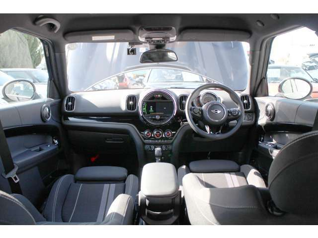 豊富な在庫の中からお選び頂けます☆車両状態等もお気軽にお問い合わせ下さい。MINI正規ディーラー MINI NEXT岡山