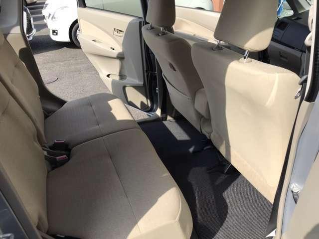 ◆シートの隙間、座席下など細かい部分も徹底清掃しております。