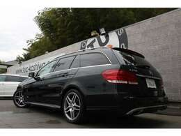 人気のE250 ワゴン アバンギャルド入庫です!外装色にはオブシディアンブラックを配色!レーダーセーフティPKGを標準装備!安全支援機能も充実です!!