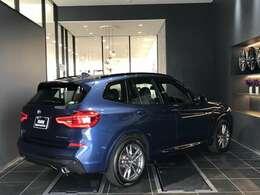 BMWメカニックの「マイスター」が数多く在籍しております。点検整備時に交換が必要な項目(BMW認定指定交換指定部品など)に関しましては、すべて新品の純正部品を使用させて頂きます。