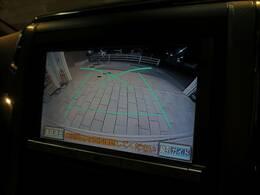 純正8型HDDナビを装備。フルセグTV、ブルートゥース接続、DVD再生可能、音楽の録音も可能です。