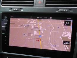 Volkswagen純正インフォテイメントシステムDiscover Pro。9.2インチ大型画面タッチスクリーンを採用。手のひらをスワイプして画面操作ができる、ジェスチャーコントロールを搭載。