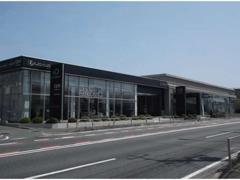 新車店舗のレクサス横浜戸塚と併設しておりますので、点検・車検などのご購入後のアフターサービスも安心です。