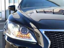 【LEDヘッドライト】この年のマイナーチェンジによって、外装だけでなく内装のLED化も同時に進められております。