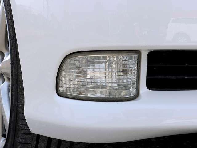 【フォグランプ】フォグランプがついております。ヘッドライトで照らせない左右や霧や雨などで視界が悪い時などに活躍します。