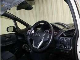 当社では、ボディはもちろん、エンジンルームや車内まで徹底洗浄する「くるまるクリーン」を全車に実施しています☆(現状販売車を除く)