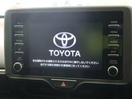 インパネ中央部のディスプレイに、オーディオ機能とスマホ連携機能を搭載。T-Connectナビキット、エントリーナビキットを装着することで、車載ナビとしてもご利用いただけます。