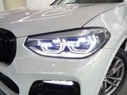 LEDヘッドライト!六角形デザインのLEDフォグランプが特徴的です!