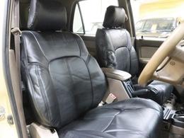 新品ブラックシートカバーをインストール♪