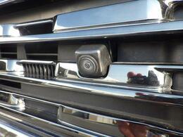 バック駐車が不安…という方にオススメ!全方位カメラ搭載車なので運転席から見えづらい箇所の確認もモニターで可能です。※全方位カメラをご利用するには別途ナビゲーションが必要です。