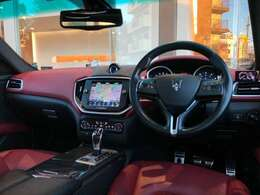 全車正規ディーラー車、納車時からの安心保証付き。エンドユーザーから直接買い取りさせていただいた車両です。記録簿等で整備記録をご確認いただくことも可能です。