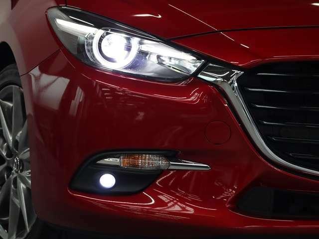 LEDヘッドライトが装着されております!より遠く、より広く、より明るく照らしてくれます!その為、夜間の走行も運転しやすく視認性も良いです♪