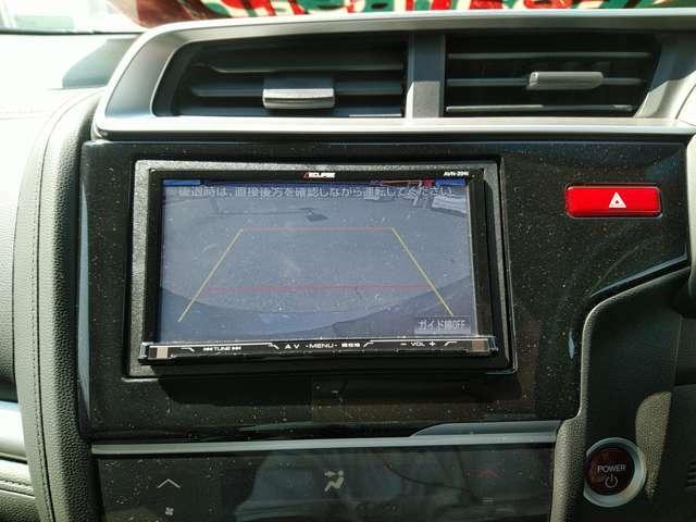 バックカメラ付きで駐車する時楽々!