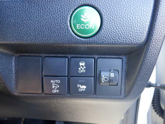 オートリトラミラー!キーロックすると、自動的にドアミラーが閉まります。