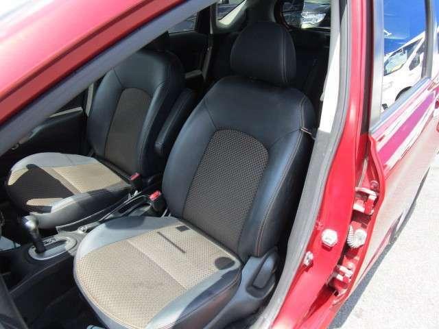 丁寧に使用されていてキレイな助手席シートです!