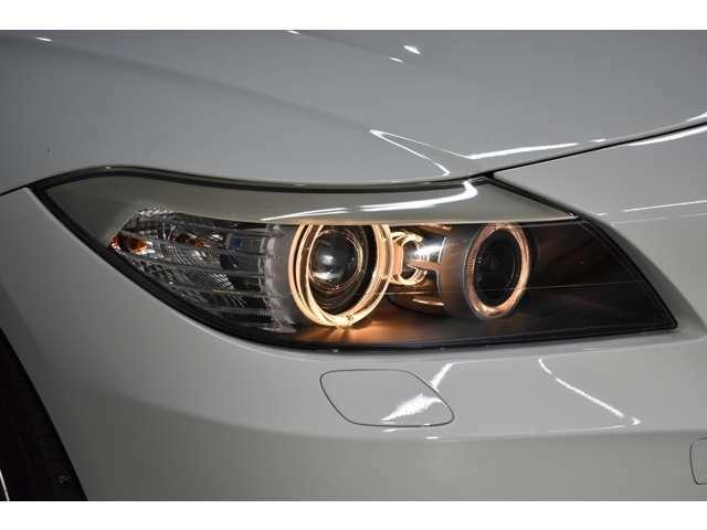 リング付純正プロジェクターキセノンヘッドライト・安全性はもちろんデザインも優れたヘッドライトです。夜道も安心して走行可能です。