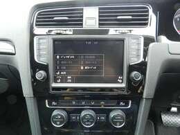 純正8インチナビ搭載!地デジTV、CD録音機能、DVD再生、Bluetoothオーディオ・ハンズフリー機能付き!