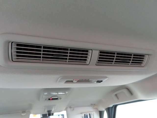 サーキュレーターで室内の空気循環ができ快適なドライブが楽しめます。