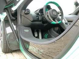 現在世界に4台内この仕様は1台のみ稀少車・MANSORY証明書付NewCar※装備内容等詳細は、当社ホームページ http://www.ms-cruise.com/ の在庫車情報よりご覧になれます!