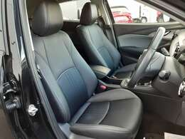 ロングドライブでも疲れにくいサポート性の良いシート