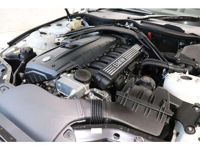BMW伝統の直列6気筒エンジン搭載モデル!街乗りから高速走行までストレスのない快適な走りをお約束!