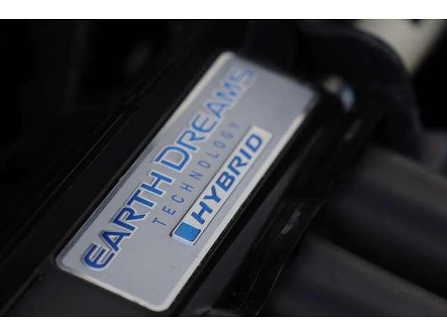 経済的にもスポーティにも走れるデュアルクラッチトランスミッション搭載のフィットハイブリッドです