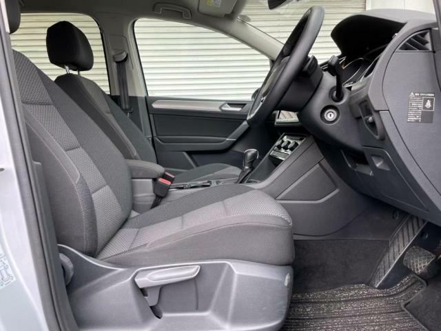 固めのシートでホールド性が高くてしっかりと体を支えてくれます。