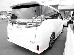 アピスタは、トヨタ系ディーラー『ネッツトヨタ広島』の中古車部門が独立して、グループ内別法人として設立された広島県内に6拠店を構える中古車販売会社です。