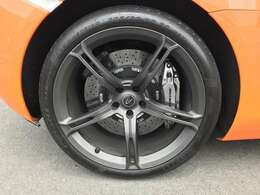 カーボンファイバー・エクステリア・アップグレード・エンハンスト 車両リフトシステム パーキングセンサー リアパーキングカメラ アルミホイールステルスペイント