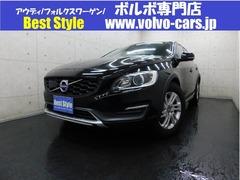 ボルボ V60クロスカントリー の中古車 T5 AWD SE 4WD 埼玉県越谷市 189.8万円