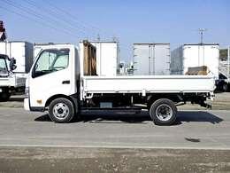 車両総重量6095kg 最大積載量3000kg