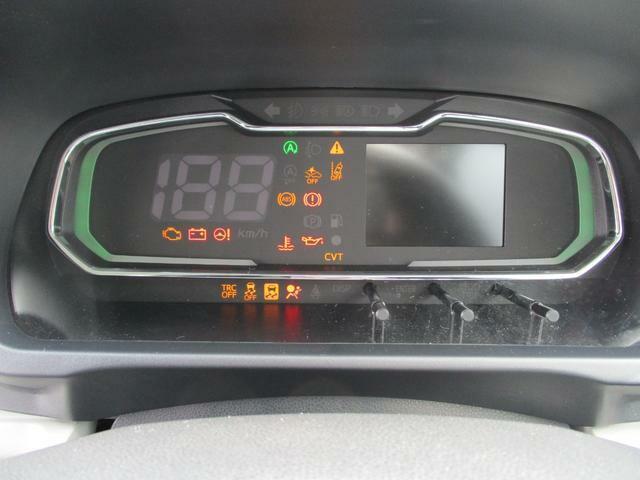 燃費の良い運転をするほどに照明がグリーンに変化する、エコドライブアシスト照明付きのデジタルメーターです☆