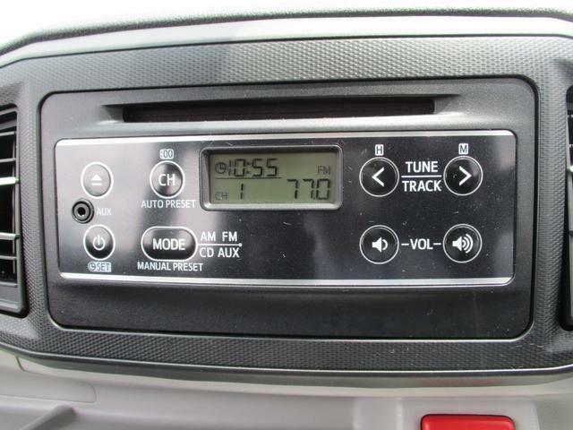 純正CDデッキ付き☆お好きな音楽やラジオを聴きながら、ドライブをお楽しみいただけます♪