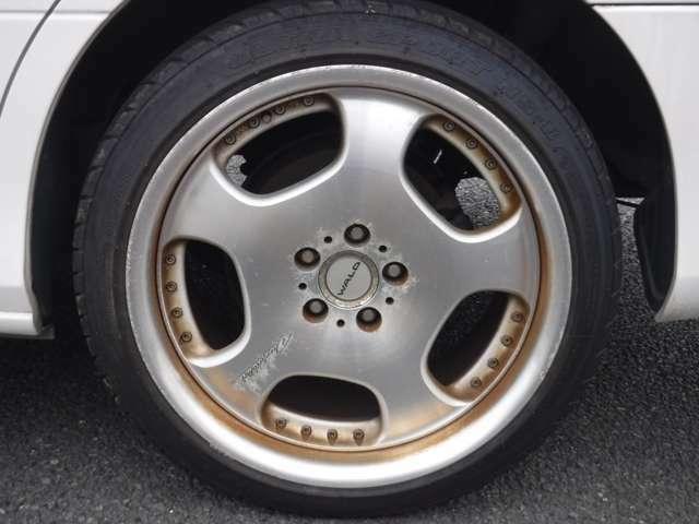 車って買ってからが大事ですよね?弊社には4輪アライメント調整等、整備施設がとても充実しています。30名以上の熟練サービススタッフがお客様の楽しいカーライフを全力でサポートさせていただきます!!
